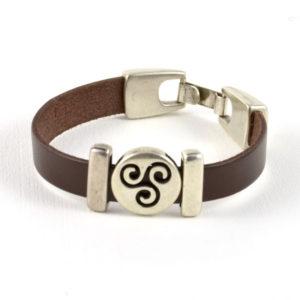 Pulsera celta motivo trisquel cuero marrón